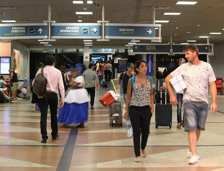 Movimentação de passageiros no aeroporto de Salvador caiu 17% no primeiro bimestre do ano - Foto: Mila Cordeiro l Ag. A TARDE