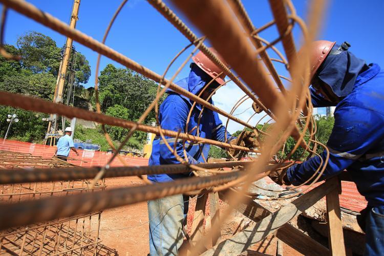 Artigo 455 da CLT já trata de contratação por empreitada na construção civil - Foto: Joá Souza l Ag. A TARDE
