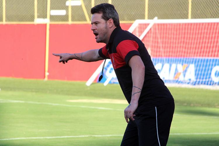 Argel tem na sua defesa suas principais dúvidas no time - Foto: Mauricia da Matta l EC Vitória