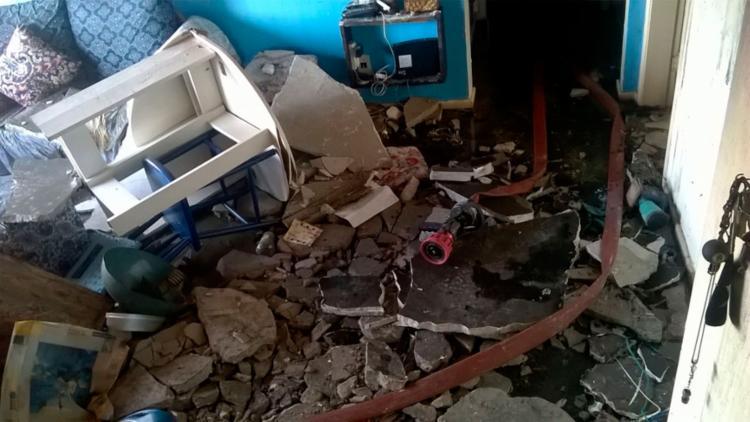 Partes do imóvel ficaram completamente destruídas - Foto: Divulgação | Corpo de Bombeiros
