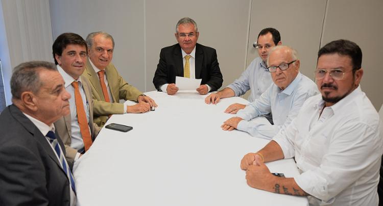 Deputados do PSL durante reunião, nesta segunda-feira, 6, para anunciar formação de bloco - Foto: Sandra Travassos l Divulgação