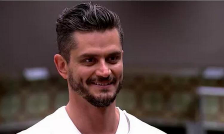 Marcos ficou surpreso ao reencontrar Emilly após falsa eliminação - Foto: Reprodução | TV Globo