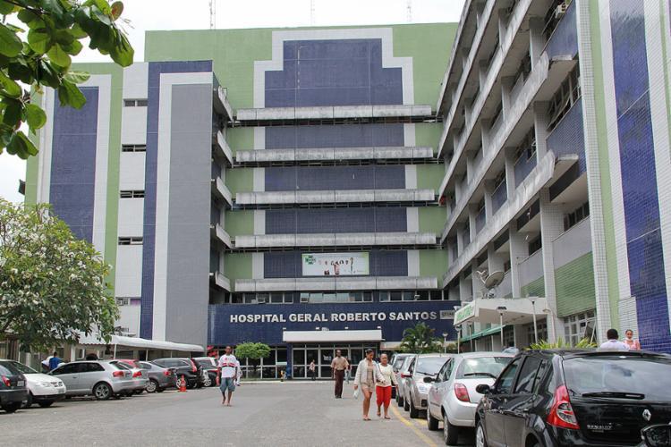 Jovem pretendia matar a mulher de um traficante no Hospital Roberto Santos - Foto: Joá Souza l Ag. A TARDE