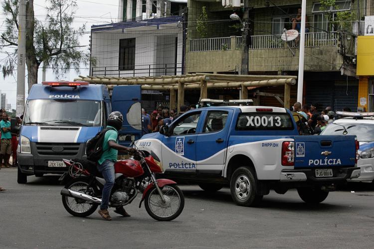 Sinval levou 12 tiros à queima-roupa quando varria a calçada - Foto: Edilson Lima l Ag. A TARDE