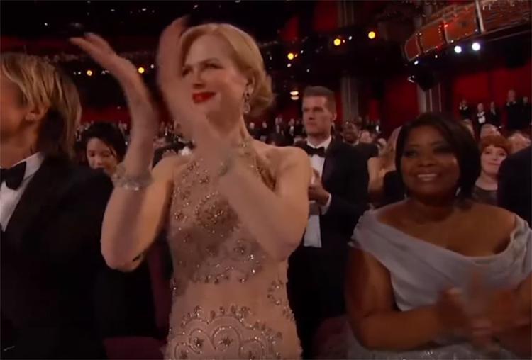 Aplauso estranho da atriz durante o Oscar - Foto: Reprodução l YouTube