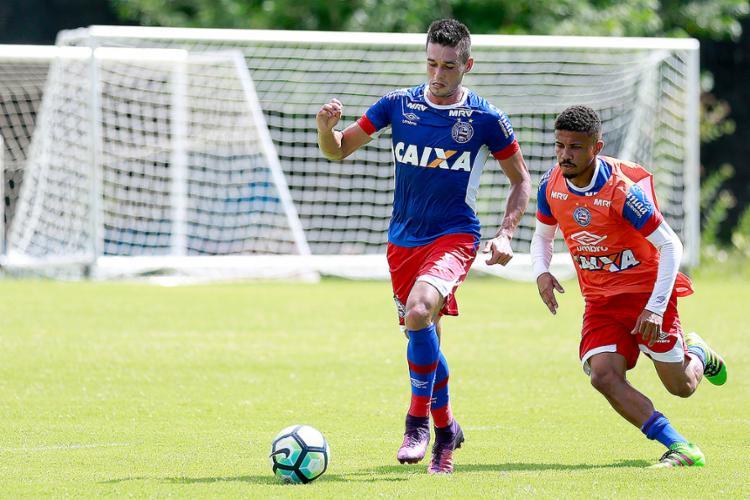 Maioria em enquete defende escalação de Juninho como titular na vaga de Renê Jr. - Foto: Felipe Oliveira l EC Bahia
