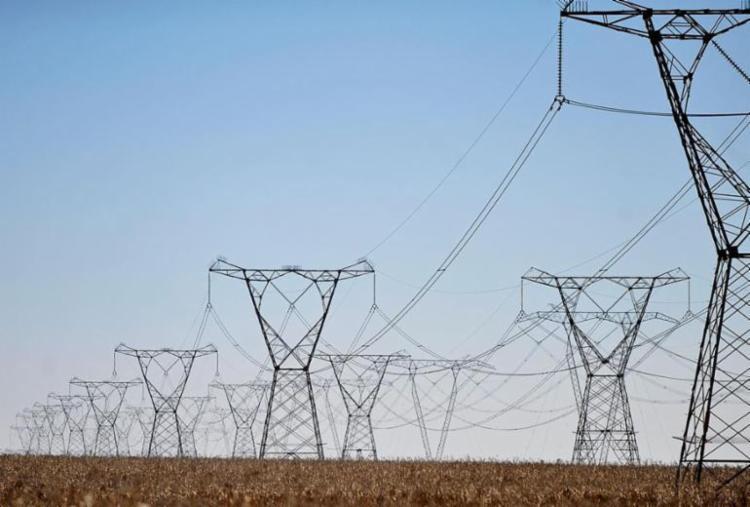 A bandeira vermelha do setor elétrico continuará acionada - Foto: Marcello Casal Jr | ABr