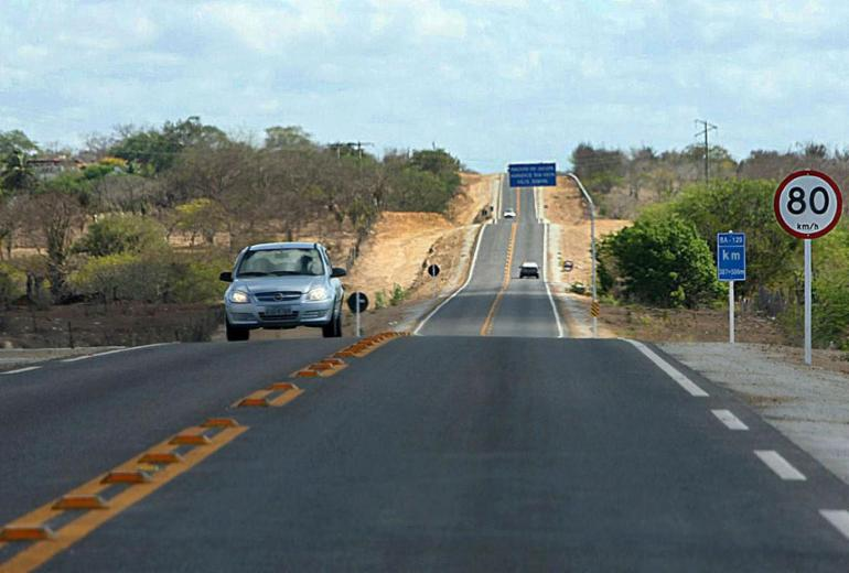 Obra na rodovia BA-120 beneficiará cerca de 55 mil moradores