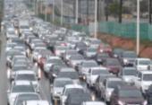 Chuva e saída da cidade provocam congestionamento na Paralela | Foto: