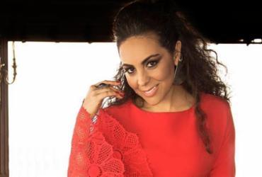 Carmem Monarcha lança álbum em Salvador
