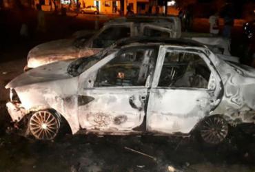 Participantes colocam fogo em carros após suspeita de fraude em bingo