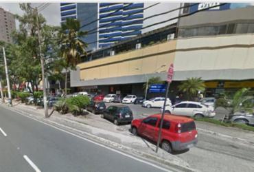 Idosa é atropelada por ônibus na avenida Tancredo Neves