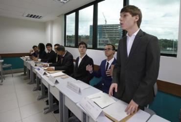 Simulado da ONU exercita diplomacia entre alunos