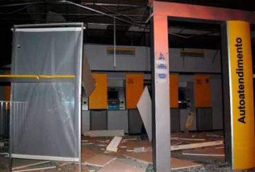 Bandidos fortemente armados explodem banco na cidade de Mairi