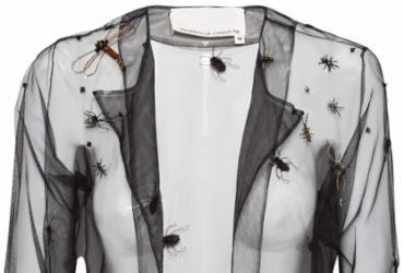 Marcas apostam em coleções de roupas e acessórios inspiradas em 'Insetos'