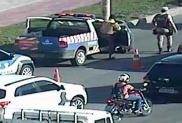 Motociclista morre após colisão com carro na avenida Paralela
