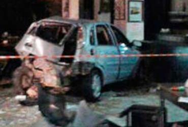 Motorista invade restaurante e abandona mulher em estado grave