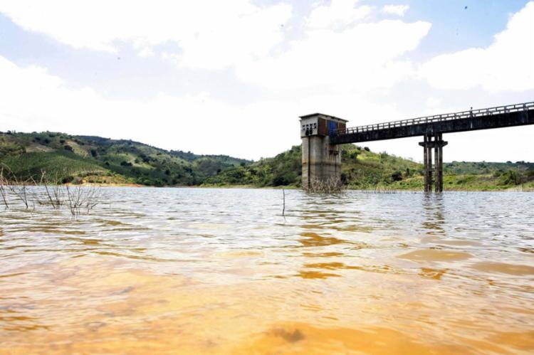 A barragem de Pedra do Cavalo, responsável por cerca de 60% do abastecimento de Salvador, está com 62,88% da capacidade total - Foto: Compesa | Divulgação | 27.09.2016