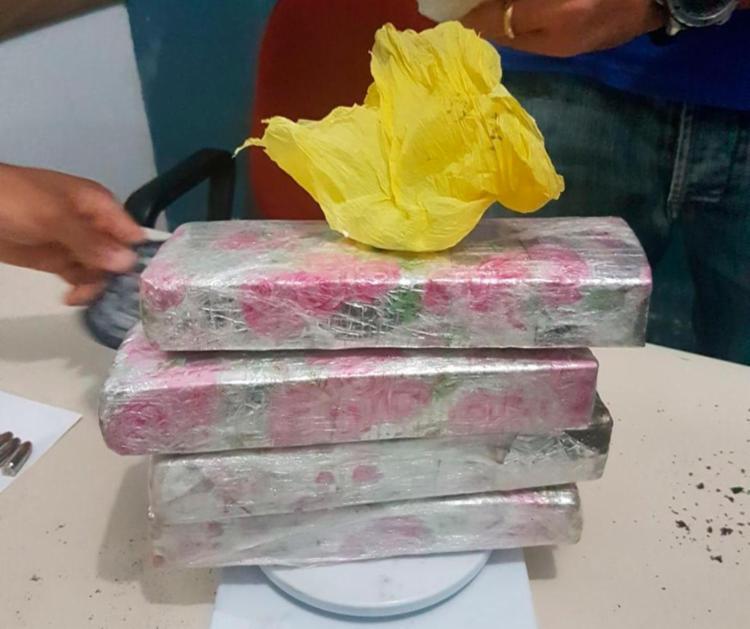Mustafá foi preso com mais de dois quilos de maconha e comprimidos de ecstasy - Foto: Divulgação | Polícia Civil