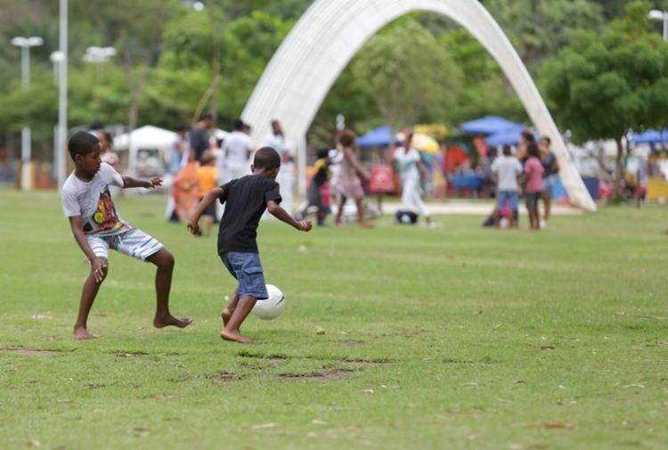 O dia foi de diversão para as crianças que estiveram no parque - Foto: Adilton Venegeroles | Ag. A TARDE