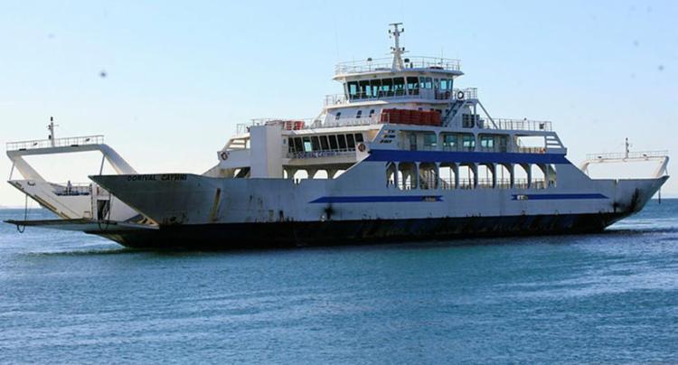 Seis embarcações estão operando nesta quinta - Foto: Adilton Venegeroles   Ag. A Tarde