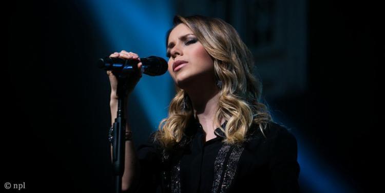 Durante o show, Sandy revisita sucessos da carreira - Foto: Divulgação
