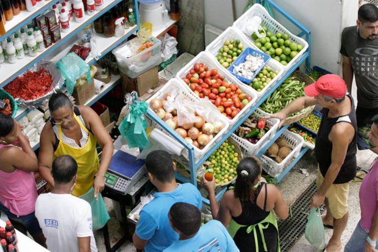 Movimento no Mercado Popular foi tranquilo nesta sexta - Foto: Luciano da Matta | Ag. A TARDE