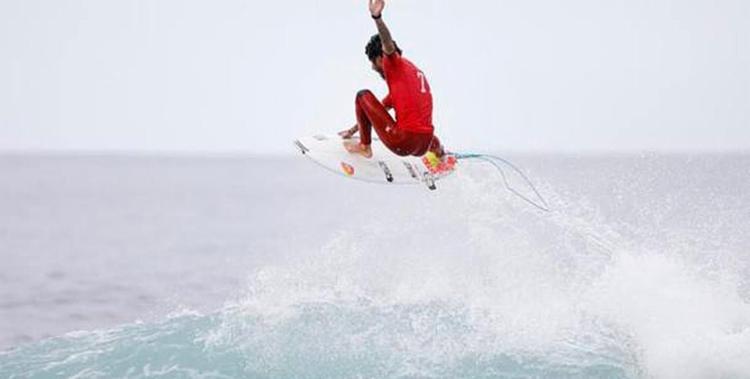 Filipinho garantiu um 10 unânime dos juízes - Foto: Jack Barripp | WSL