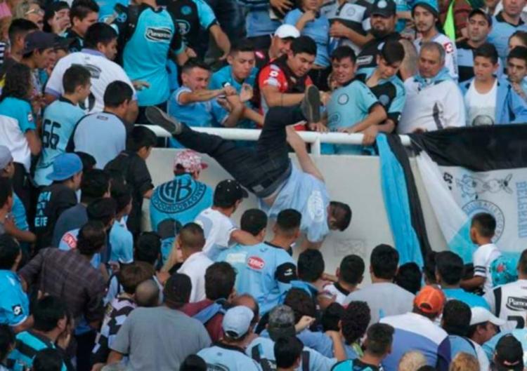 Balbo sofreu um forte traumatismo craniano ao ser agredido e depois jogado de um dos setores do estádio - Foto: Reprodução