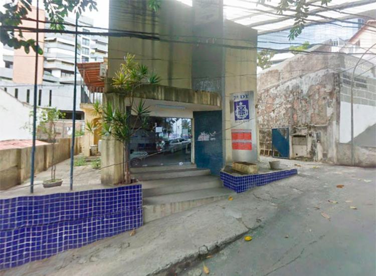 Valcy vai prestar depoimento na tarde desta quarta-feira, 19, na 7º Delegacia no Rio Vermelho - Foto: Reprodução   Google Maps