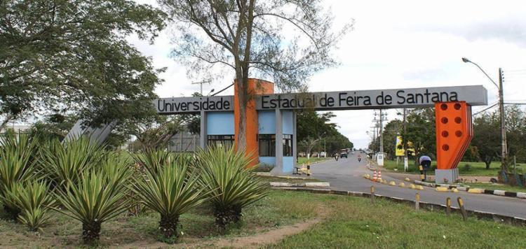 Entrada do campus na cidade de Feira de Santana - Foto: Divulgação l Ascom-Uefs l 15.8.2016