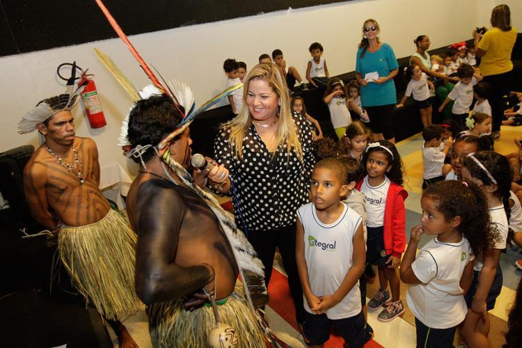 Indígena na atividade da escola Integral Kids - Foto: Margarida Neide l Ag. A TARDE