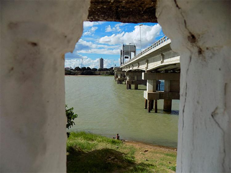 A expectativa é de que as águas possam correr pelo canal até o fim deste ano - Foto: Ag. A TARDE