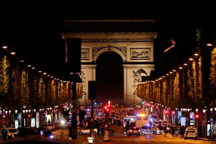 A polícia logo após o ataque na região da Champs-Élysées, em Paris - Foto: Thomas Samson | AFP