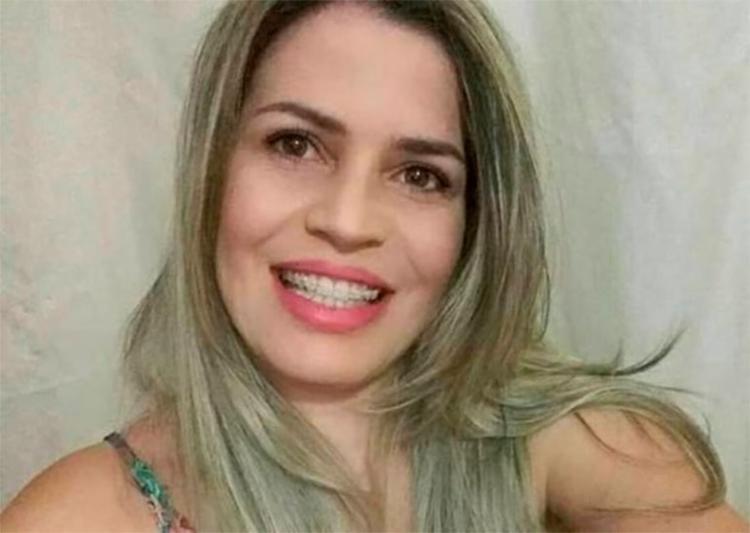 Rosângela Gomes Costa foi amarrada, amordaçada e morta com várias facadas dentro de casa, em Alagoinhas - Foto: Arquivo pessoal