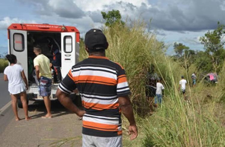 O veículo teria capotado por conta de uma ultrapassagem mal sucedida - Foto: Reprodução | Site Sigi Vilares