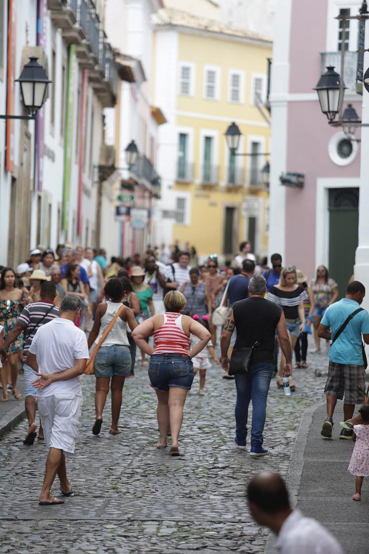 Turistas escolheram passear pelo Centro-Histórico - Foto: Joá Souza l Ag. A TARDE