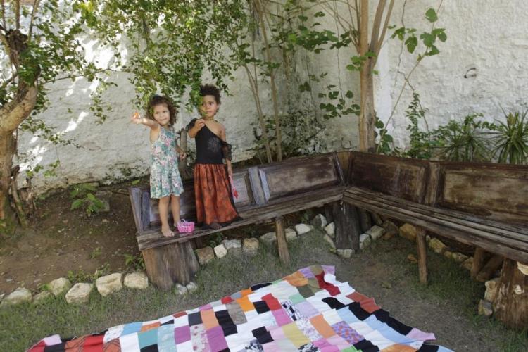 Às tardes a Casa Guió mantém o projeto Quintal de Vó, que resgata brincadeiras de outros tempos - Foto: Margarida Neide | Ag. A TARDE