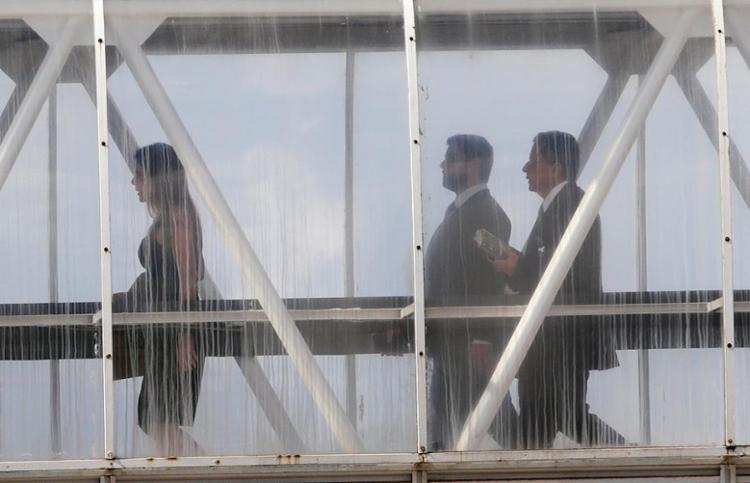 Os marqueteiros João Santana e Mônica Moura chegam ao Tribunal Regional Eleitoral da Bahia para depor ao relator do TSE Benjamin - Foto: Xando Pereira l Ag. A TARDE
