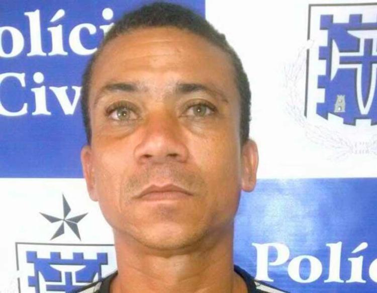 Gilberto dos Santos usou uma arma para assaltar as vítimas - Foto: Divulgação | Polícia Civil