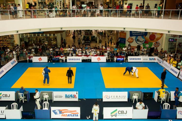 Praça do shopping será usada para o campeonato de judô - Foto: Jonas Farias / Febaju
