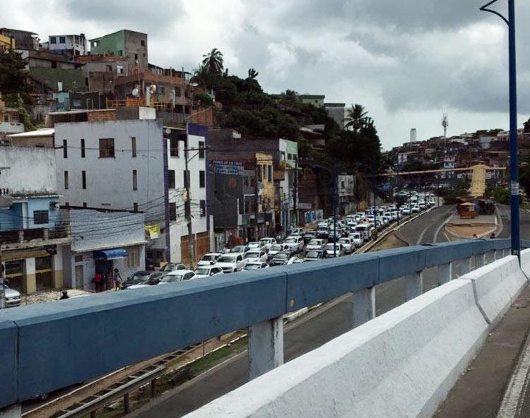 Congestionamento atinge a Vasco da Gama nas imediações da Perini - Foto: Cidadão Repórter | Via WhatsApp