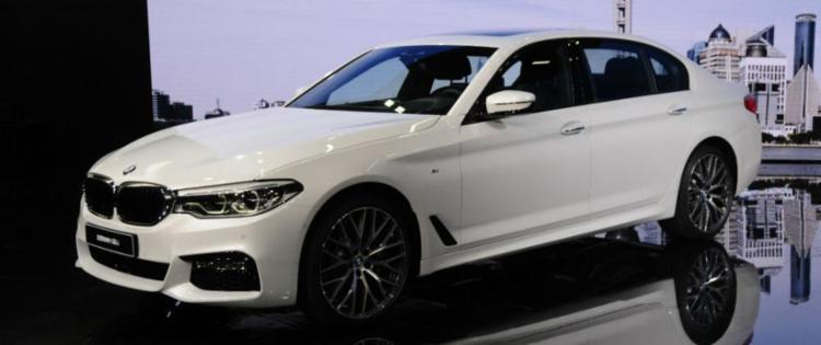 BMW Série 5 Li apresentou versões alongadas dos modelos originais - Foto: Newspress