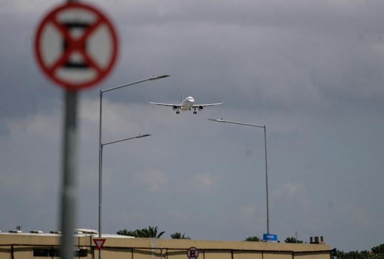 Aeronautas decidiram não aderir à paralisação após Câmara acatar pedido da categoria na reforma trabalhista - Foto: Raul Spinassé l Ag. A TARDE