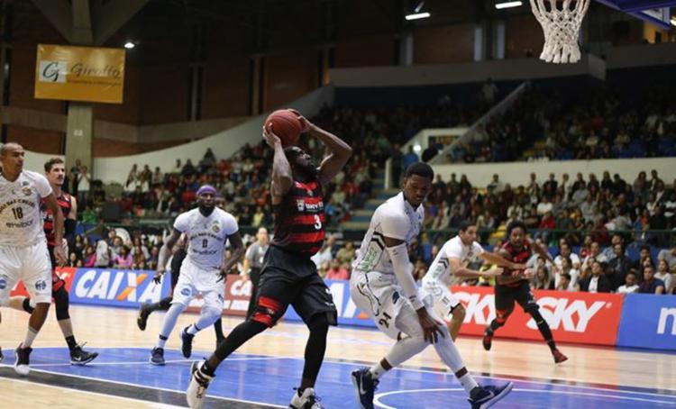 O ala-armador Keyron foi o destaque do Leão e marcou 24 pontos - Foto: Antonio Penedo l Mogi-Helbor