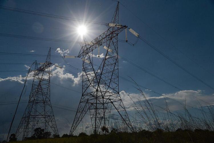 Consumidores terão taxa extra de R$ 5 a cada 100 kWh consumidos - Foto: Fábio Rodrigues Pozzebom l Agência Brasil