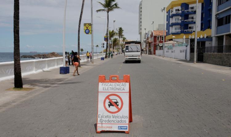Placa sinalização de trânsito alterado - Foto: Luciano da Matta | Ag. A TARDE