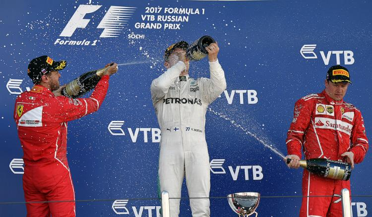 Finlandês assume a liderança na primeira curva e controla até o fim; Mercedes supera Ferrari entre construtores - Foto: Andrej Isakovic l AFP