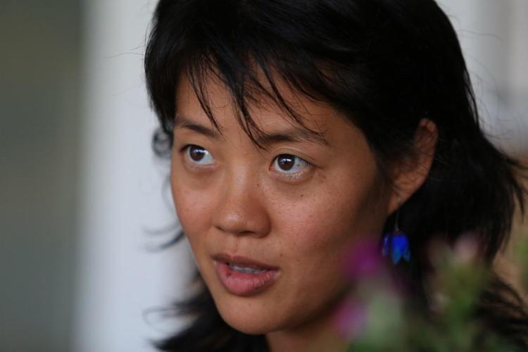 Raquel Minako levou a técnica do thetahealing para o posto de saúde do Vale do Capão - Foto: Adilton Venegeroles | Ag. A TARDE