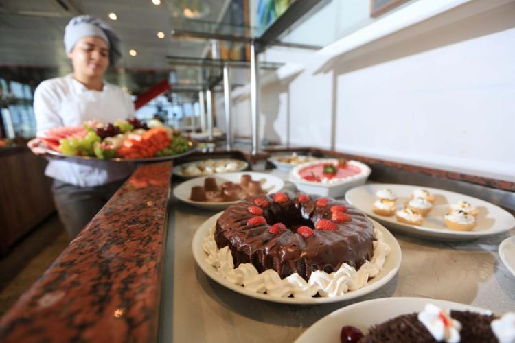 Consumir sobremesas, como doces e frutas, dá sensação de saciedade - Foto: Raul Spinassé   Ag. A TARDE
